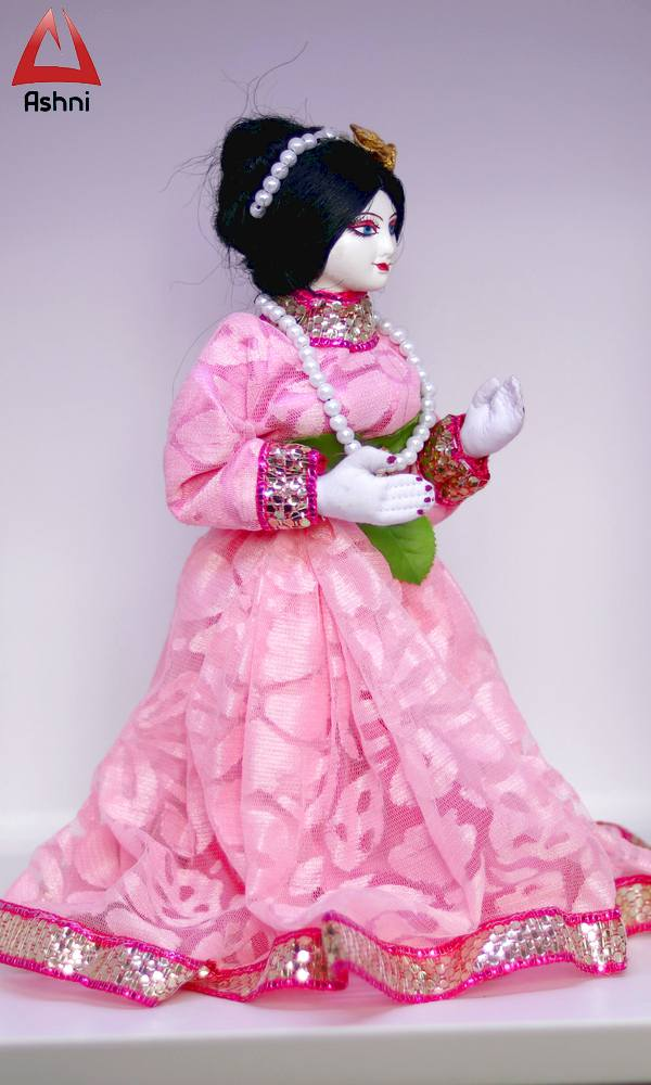 Beautiful Doll of Bengali Lady in Pink Dress Showpiece Gift